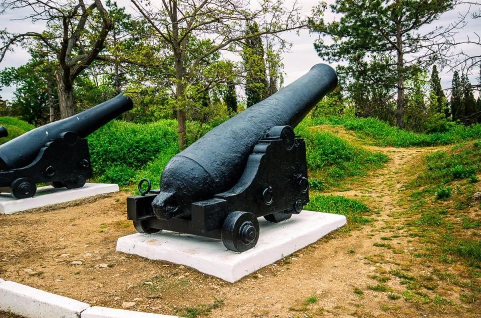 Две крепости Севастополя.