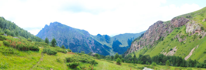 С Мухинского перевала к самой красивой стоянке на Марке.